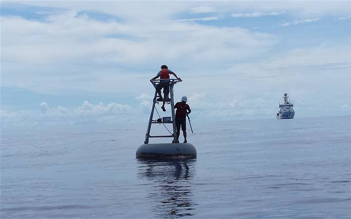 NOAA observing buoys validate findings from NASA's new satellite for measuring carbon dioxide